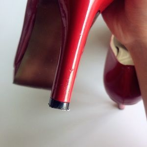 Elie Tahari Shoes - Tahari Lonnie Patent Leather Pumps